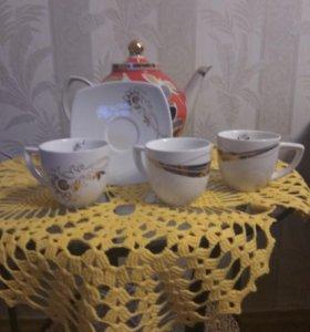 Кофейные чашки и блюдца