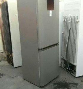 Zanussi холодильник