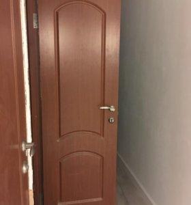 Дверь межкомнатная б/у с коробкой