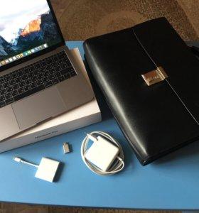 Продам MacBook Pro 13 дюймов.