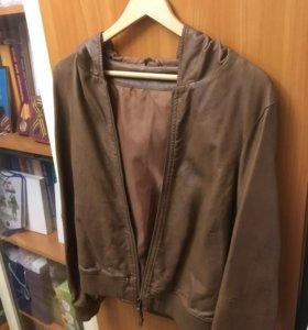Куртка коричневая с капюшоном