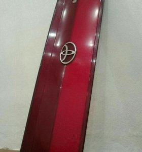 Стоп вставка Toyota Carina CT190 AT190 ST190