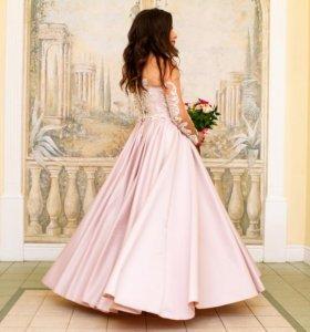 Шикарное свадебное платье цвета пудра 46 размера