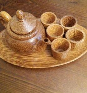 Деревянный чайничек со стаканчиками миниатюра