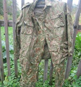 Форма (куртка и брюки)