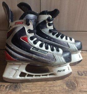 Хоккейные коньки 32-33 размера