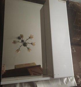 Зеркало с шкафчиком для ванной