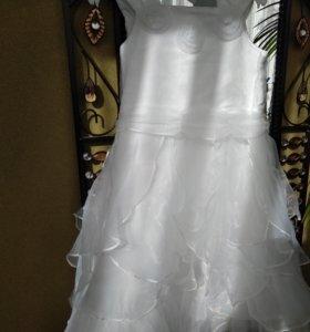 Новое Праздничное платье для девочки 116 размер