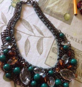 Ожерелье из стекла