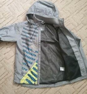 Продам легкую куртку для мальчика
