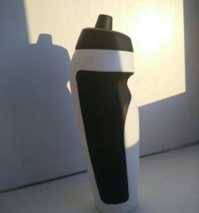 Спартивная бутылка