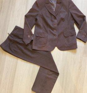 Брючный костюм 48-50