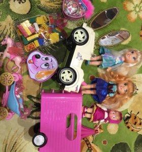 Гора игрушек