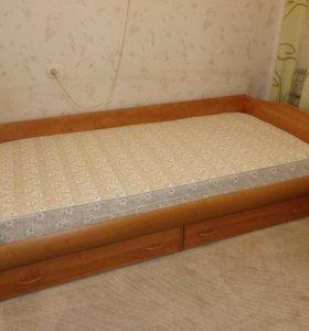 Кровать с матрасом, ящики для белья