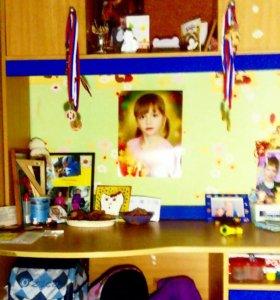 Детский письменный, компьютерный стол