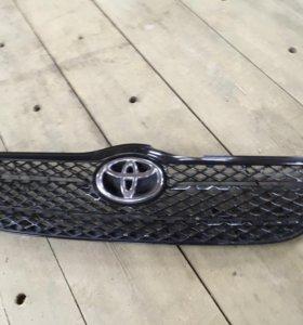 Решетка радиатора на Toyota Corolla оригинал