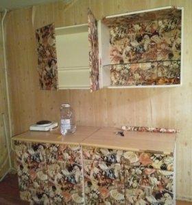 Кухонный гарнитур,шкаф,стол