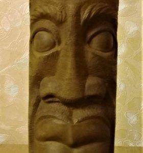 Статуэтка из каменного дерева. Африка