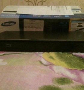 Samsung Blu-ray плеер BD-E5300
