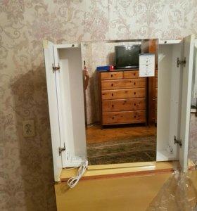Шкафчик навесной в ванную, с зеркалами. Новый