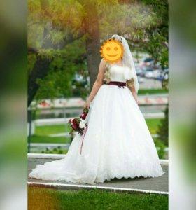 Свадебное платье в идеальном состоянии, кольца в п