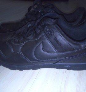 Новые мужские кроссовки Найк
