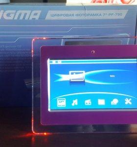 Цифровая фоторамка Digma PF-790