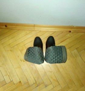 Продаётся обувь.