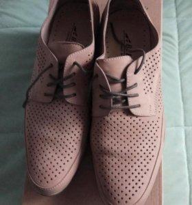 Летние туфли (полуботинки), разм. 42.