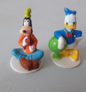 Микки Маус из яиц киндер сюрприз и чупа чупс