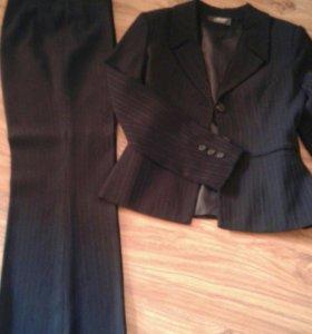 костюм женский 300 р