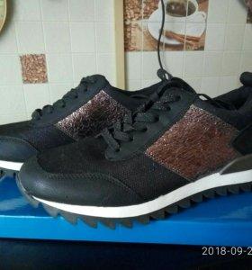Новые полуботинки-кроссовки