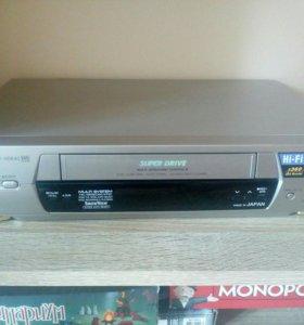 Видеомагнитофон Panasonic NV-HD640