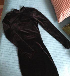 Чёрное бархатное платье