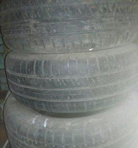 Продам шины каждое по 500 рублей