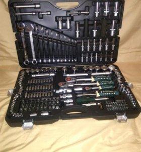 Набор инструмента Rock Force 215 предметов