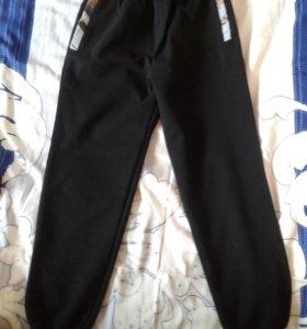 новые. спортивные штаны.