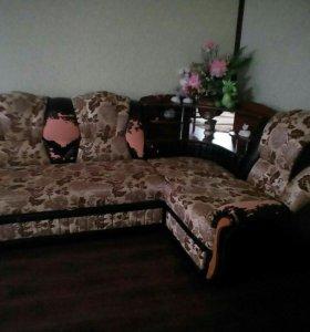Угловой диван,два кресла