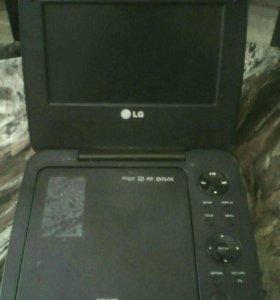 Портативный медиаплеер LG DP650