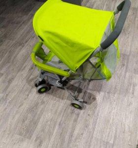 Компактная детская коляска .