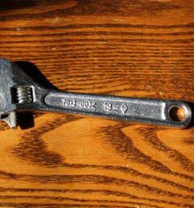 Разводной ключ 19 мм