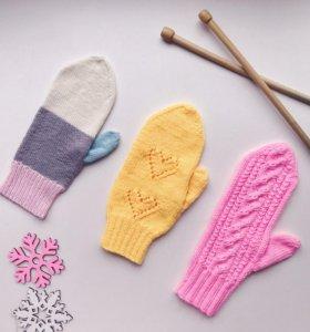 Вязание на заказ варежек и носков.