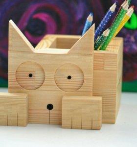 Котик, хранитель карандашей