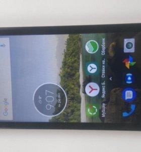 Телефон Moto C