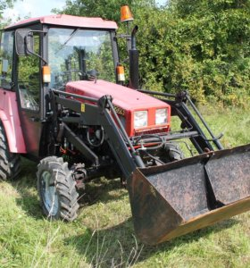 Трактор - погрузчик МТЗ 320