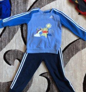 Продам костюмы Адидас 98
