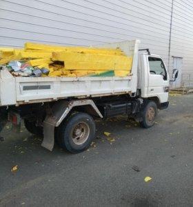 Вывоз мусора в том числе строительного.