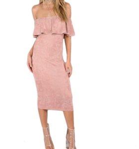 Элегантное платье-чехол с оборками новое