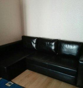 Угловой диван от ИКЕА из эко-кожи