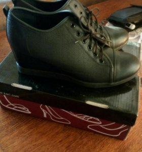 Ботиночки демисезонные кожаные Новые